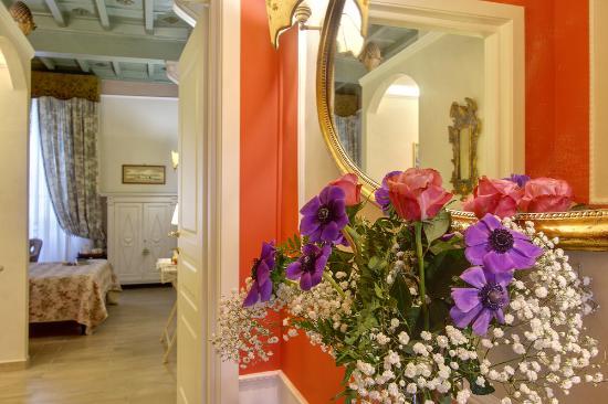 Relais Grand Tour: entrance 2nd floor
