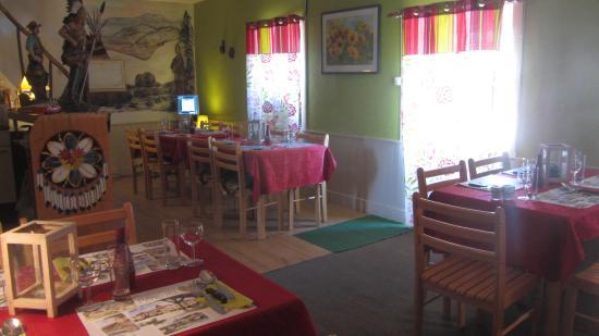 Saint-Saud-Lacoussiere, Francia: Bistro