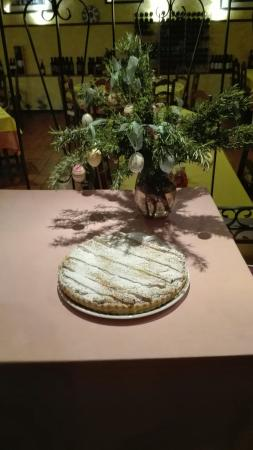 Santa Bárbara de Nexe, Portugal: Goat cheese in filopastry  and pastiera napoletana