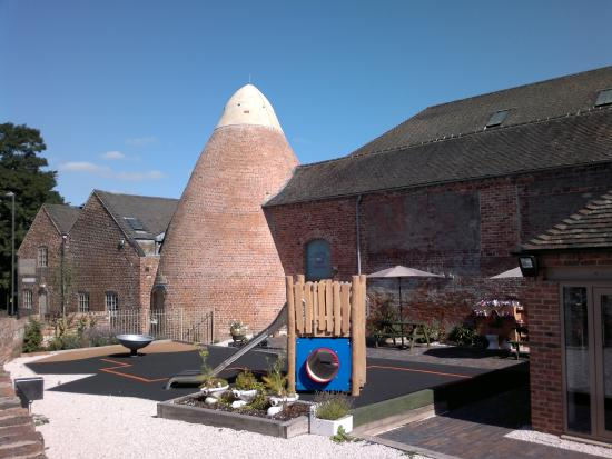 Swadlincote, UK: The Kiln and Play Area
