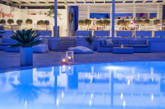 Ios Palace Hotel: Pool at night
