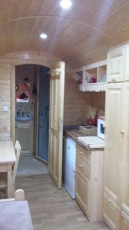 Salle d'eau dans la cuisine