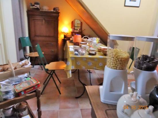 Viry, France : espace peti-déjeuner
