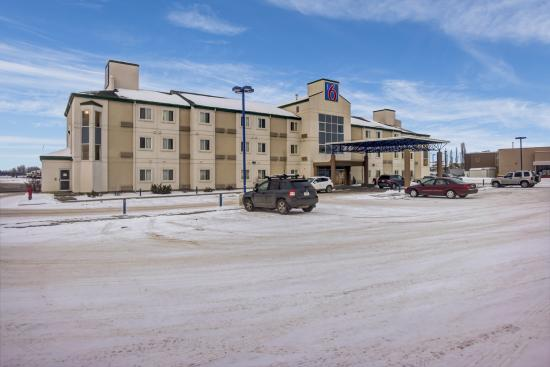 Motel 6 Stony Plain, AB: Exterior