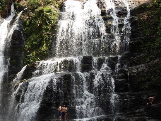 Finca Bavaria: Nauyaca Wasserfälle ganz in der Nähe der Finca. Super zum schwimmen und abkühlen.