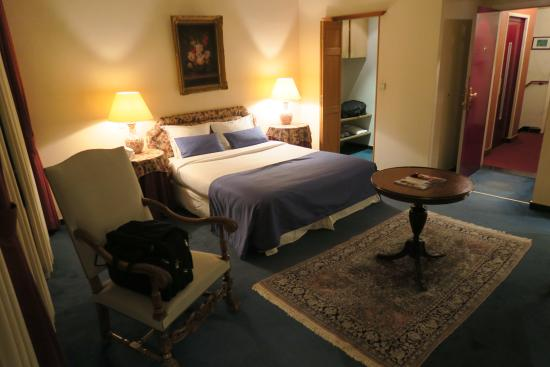 Firean Hotel : Room 37, well- appointed and spacious