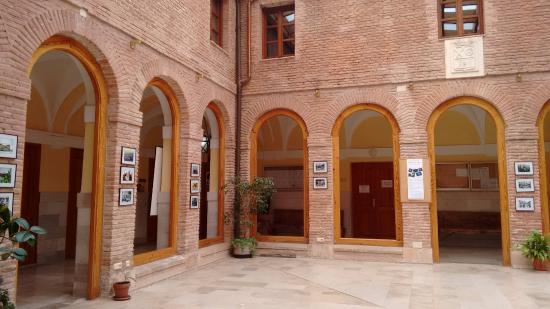 Oficina de turismo fotograf a de visitas guiadas al for Oficina turismo burgos
