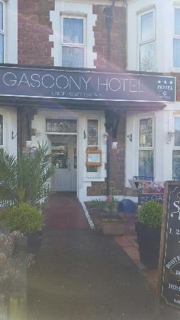 Gascony Hotel: The hotel offers verey good service the staff are very friendly and the food is excelent this is