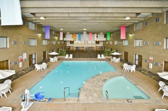 BEST WESTERN PLUS Kelly Inn: Indoor Pool