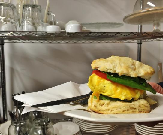 Kemptville, Канада: All day breakfast - Veggie Eggie!