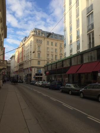 Traditional well run hotel in centre of historic Vienna