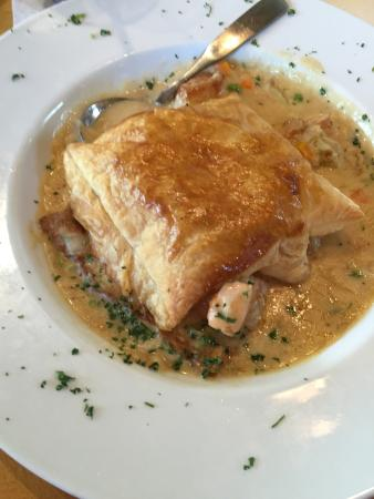 Norwoods Restaurant and Wine Shop: seafood pot pie