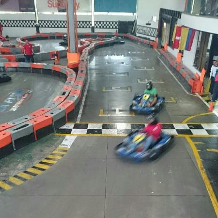 la kart IMG_20160305_160701_large.   Picture of Indoor Kart La Pista  la kart