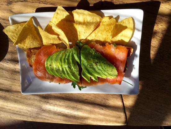 Cafe d'estiu -TEMP CLOSED: Toast with smoked Salmon, Arugula and Avocado