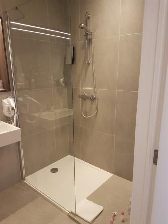 hotel elisabeth grozgige dusche - Dusche Led Leiste