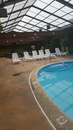 Wingfield Inn & Suites: TA_IMG_20160328_135510_large.jpg