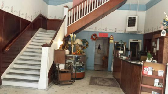 Hotel Warm Springs Bed And Breakfast Inn Review