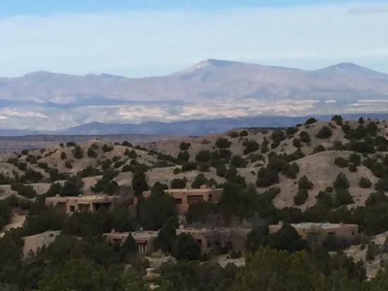 Four Seasons Resort Rancho Encantado Santa Fe: View of the 12 mile wide volcano from the beautiful hiking trail that originates on the property