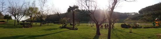 Villaga, Olaszország: parco davanti agritorismo