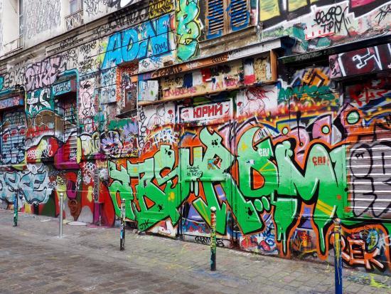 Fresh Street Art Tour Paris