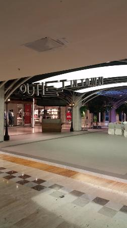 MBK Center 5th Floor Outlet