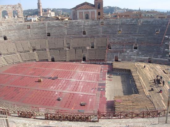 Les ar nes de l 39 int rieur picture of arena di verona for Interieur u arena