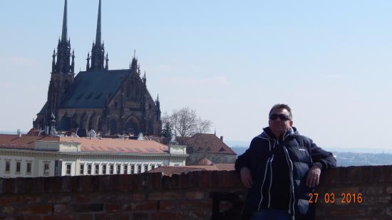 Brno, Repubblica Ceca: Pohlad na katedralu zo Spilbergu