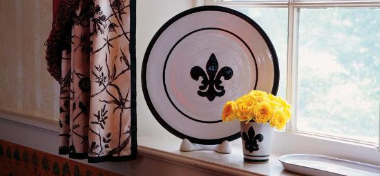 Louisville Stoneware: Black Fleur de Lis