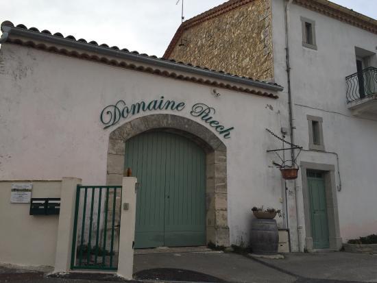 Saint-Clement-de-Riviere, Frankrig: Domaine Puech  Vigneron depuis cinq générations  Producteur de Grès de Montpellier, Languedoc et