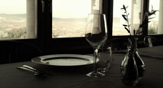 Adahuesca, España: detalle de la mesa