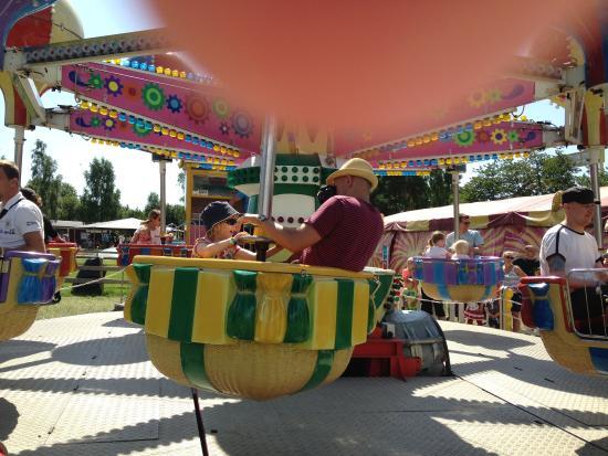 Tosselilla Sommarland: Mest karuseller för de riktigt små barnen.