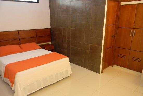 Murali Hostal : Habitación matrimonial