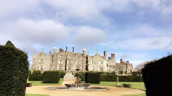 Eastwell Manor: We stayed the night in one of the beautiful cottages , what a wonderful place to spend Easter 20