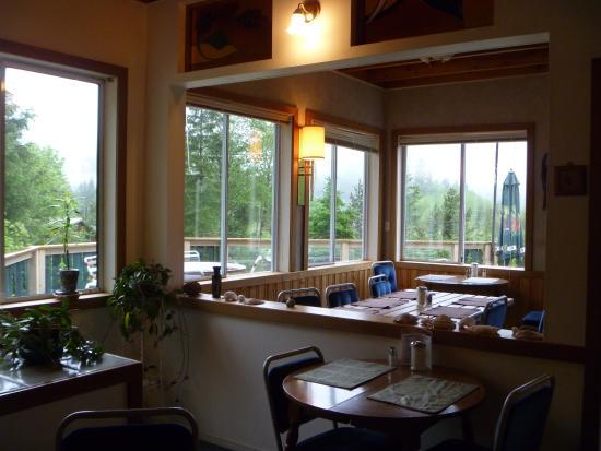 Zeballos, كندا: Dining room