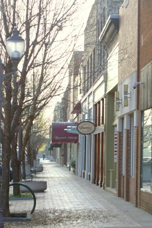 Poyntz Avenue, Downtown Manhattan, Kansas - Picture of Manhattan ...