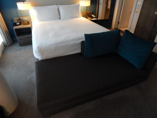 bed and sofa picture of staybridge suites london vauxhall rh tripadvisor com