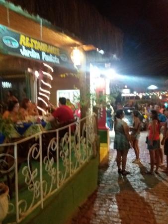 Pousada Tororao: Rua Mucugê à noite, onde fica a Pousada Tororão
