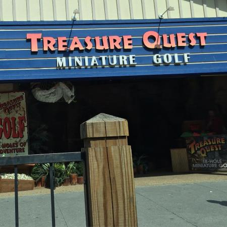 ‪Treasure Quest Miniature Golf‬