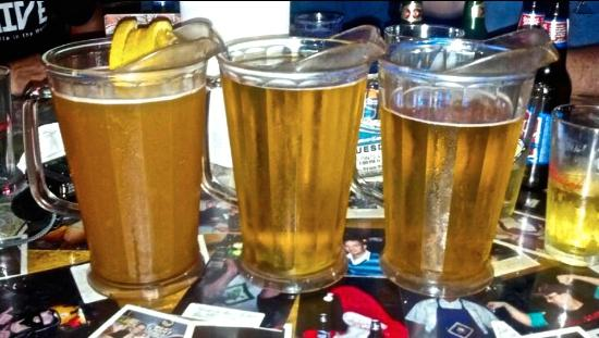 Parrot's Cay Tavern & Grill: Beer Here!! Order it by the pitcher!!