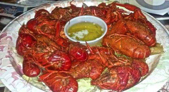 Parrot's Cay Tavern & Grill: Gotta love the Crawfish!