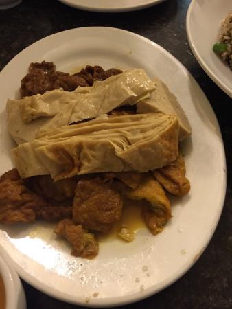 Photo of Chinese Restaurant Buddha's Vegetarian Foods at 666 Dundas St W, Toronto M5T 1H9, Canada