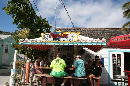 Great Guana Cay: A great bar - people are friendly and it's always a good time.