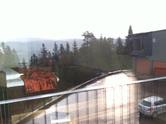 Lysebu: Jr Suite 433 - View reflected in window - May 2015