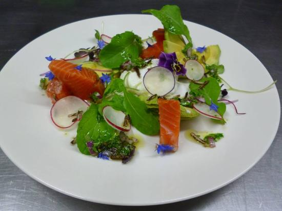 Richmond, New Zealand: Smoked salmon salad