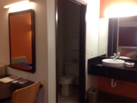 Motel 6 Brownsville North: photo1.jpg