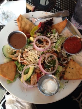 Adam's Bistro: Chicken Fajita Salad