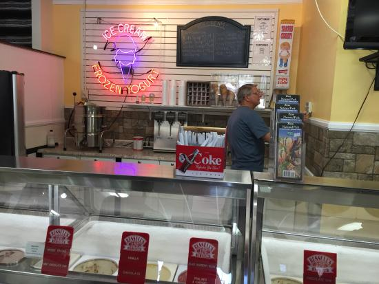 Zion Park Gift & Deli: Many flavors to choose from