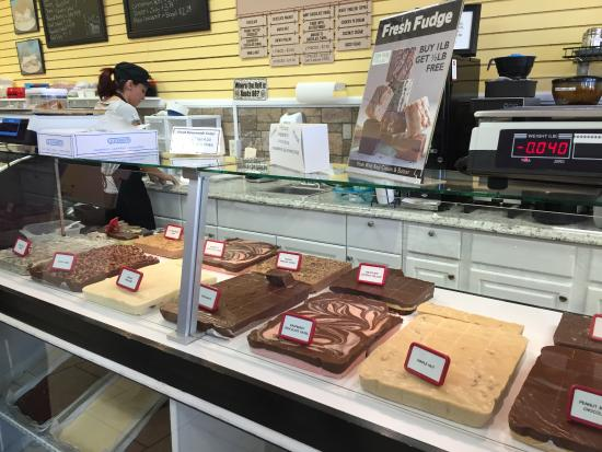 Zion Park Gift & Deli : Delicious fudge