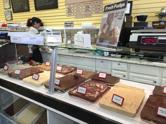 Zion Park Gift & Deli: Delicious fudge