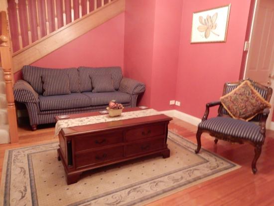 Aldermere Estate Luxury Accommodation : lounge